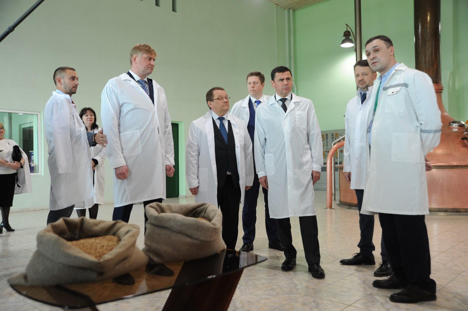 Дмитрий Миронов принял участие в запуске новой линии по производству безалкогольных напитков