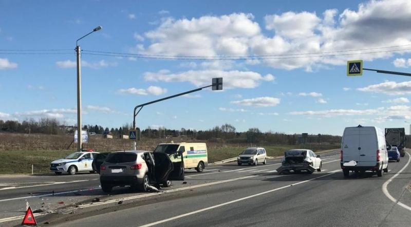 Подросток и двое взрослых пострадали в ДТП в Ярославской области