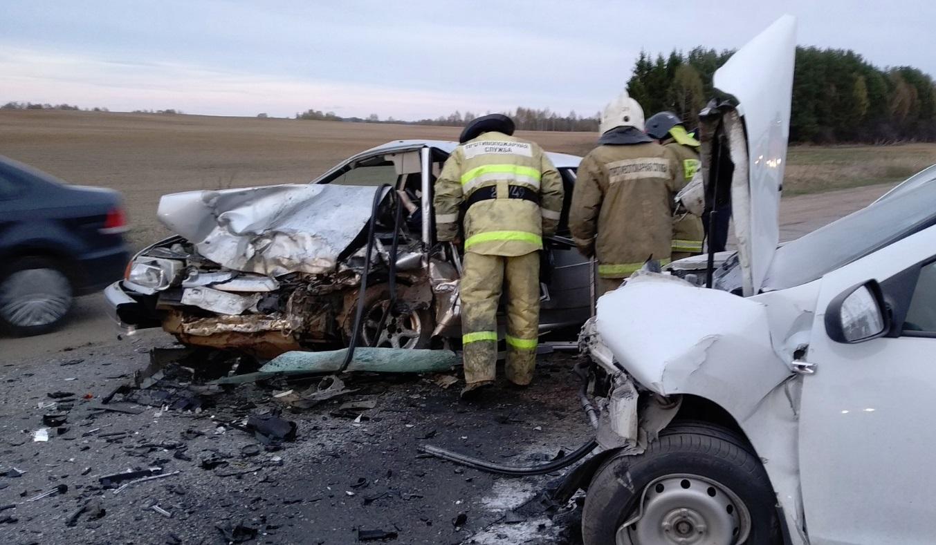 В жутком ДТП в Ярославской области один человек погиб, двое ранены