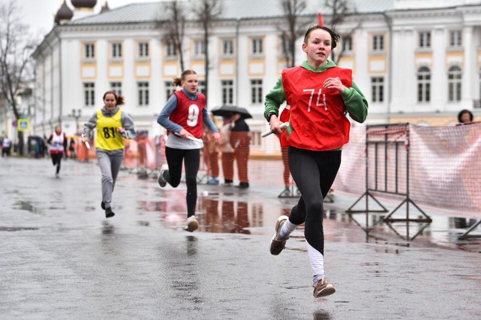 В центре Ярославля прошла легкоатлетическая эстафета
