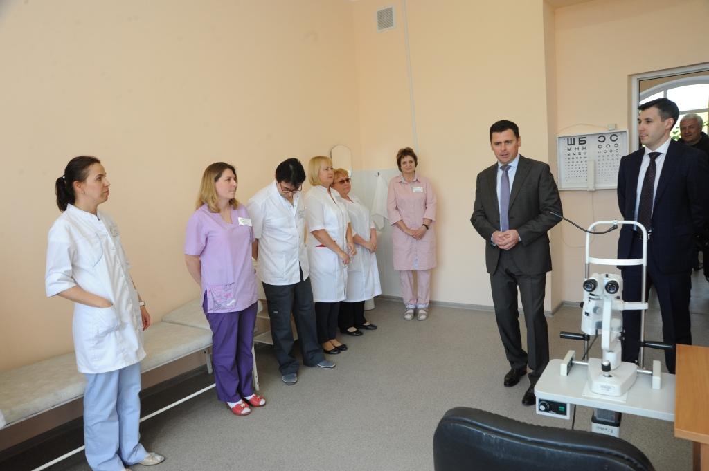 Дмитрий Миронов посетил обновленное офтальмологическое отделение Центральной городской больницы