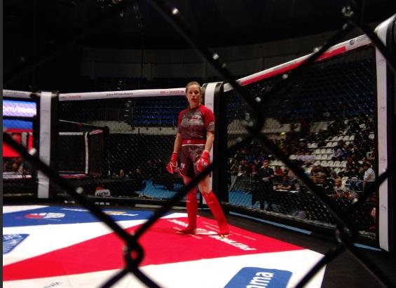 Ярославна победила на первом чемпионате России по ММА