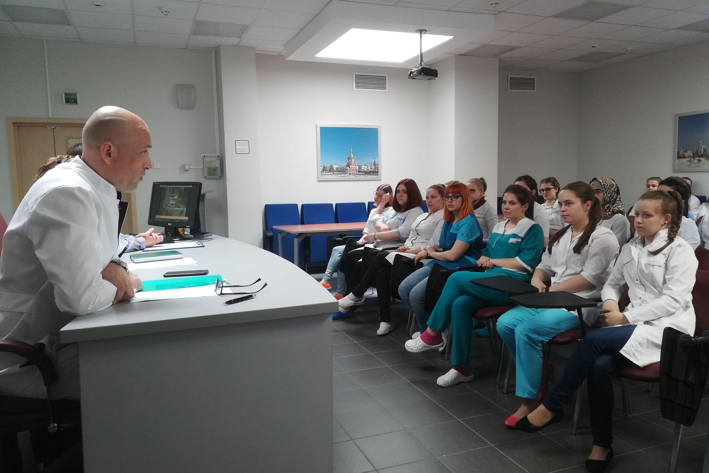 Благодаря акции «Я – доктор» выпускники ЯГМУ смогут побывать в медучреждениях области и выбрать место работы