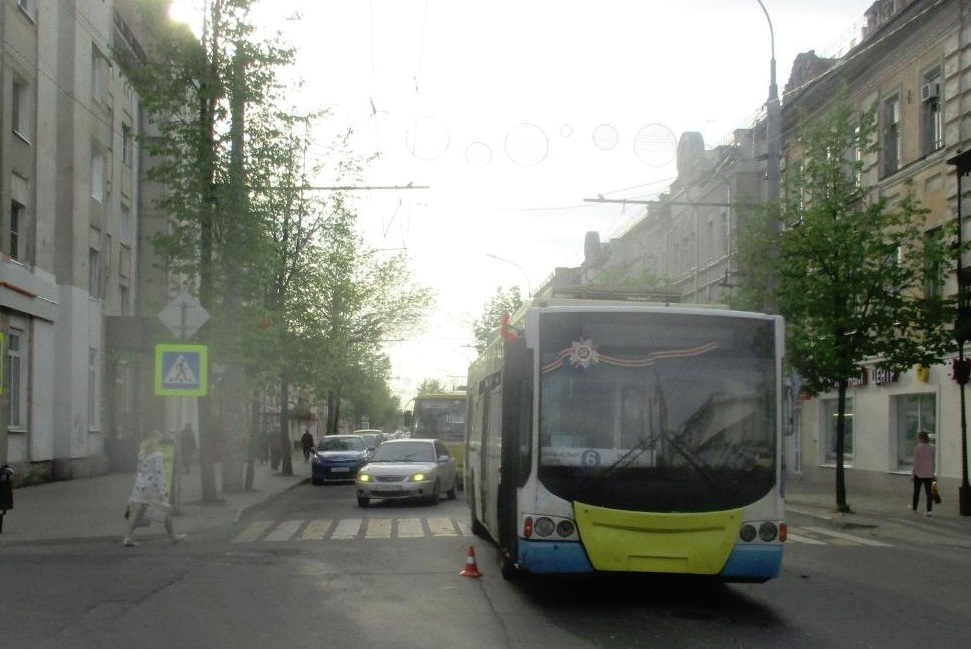 В Рыбинске троллейбус сбил пешехода