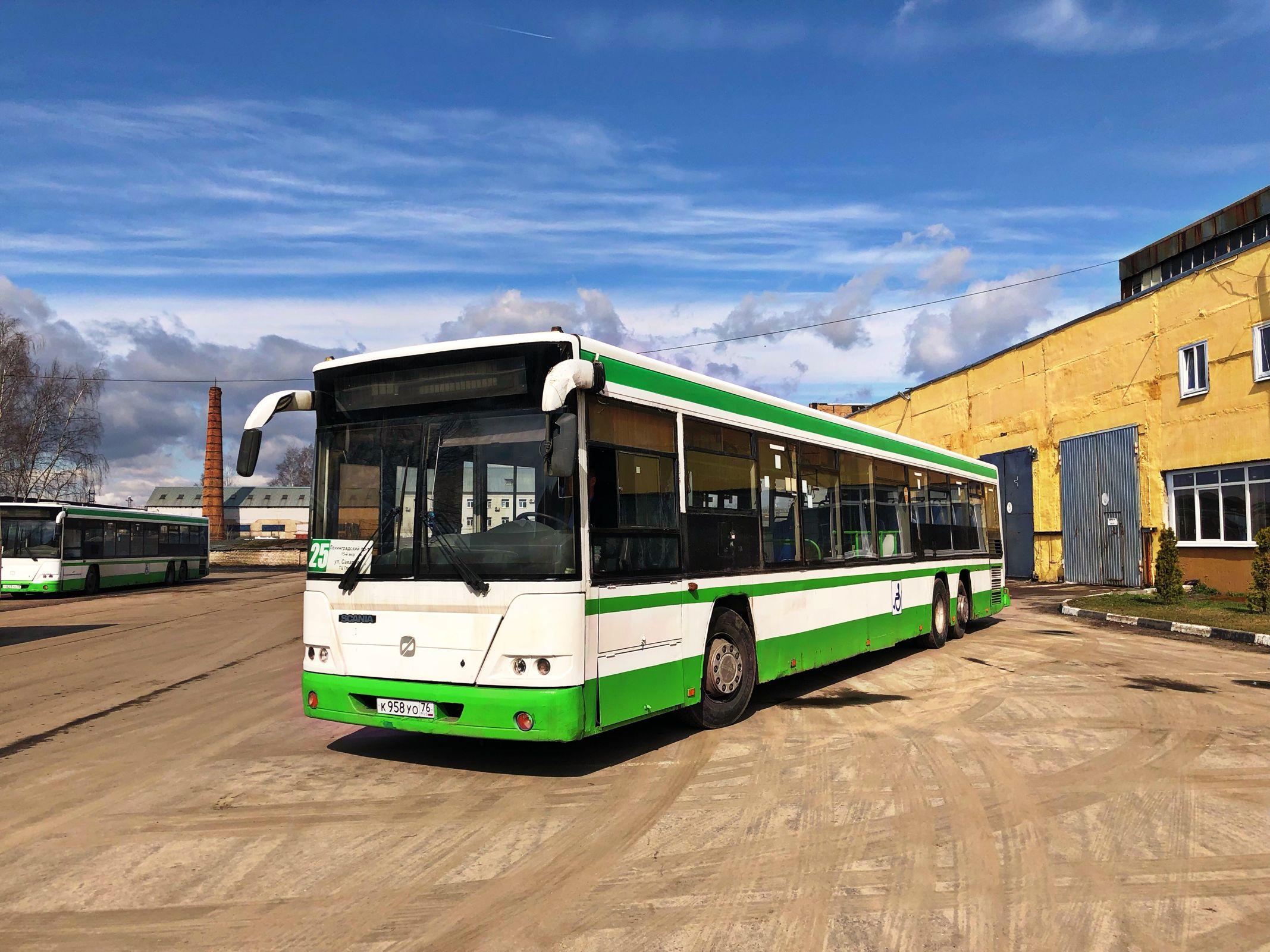 Автобус увеличенной вместимости приступил к работе на маршруте ТЦ «Глобус» – Ленинградский проспект (15-й мкр)