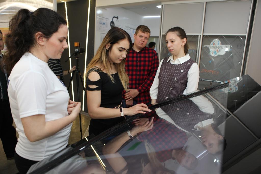 Дмитрий Миронов принял участие в открытии университетской «Точки кипения» в ЯрГУ имени П.Г. Демидова
