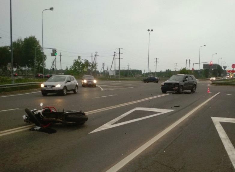 Под Ярославлем сбили мотоциклиста