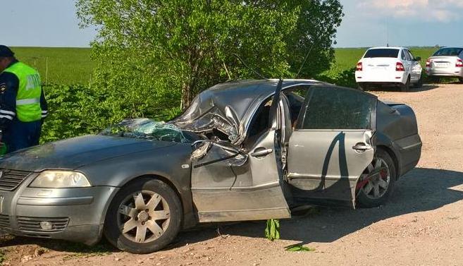 В результате ДТП под Ярославлем погиб мужчина, ребенок ранен