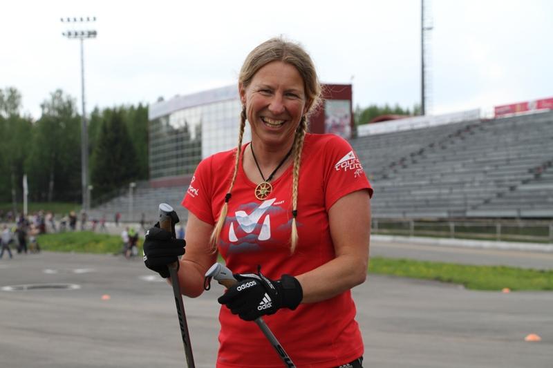 Швейцарская медалистка Олимпийских игр протестировала лыжероллерную трассу в «Демино»
