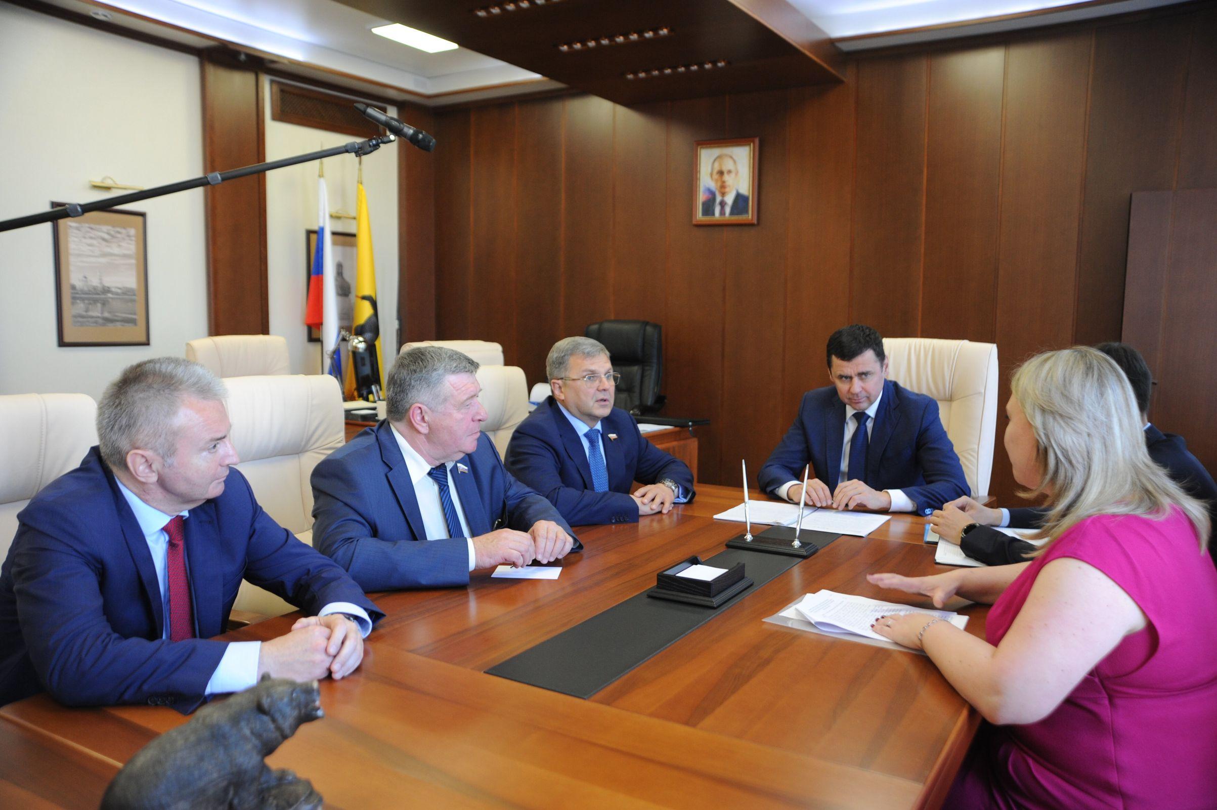 Дмитрий Миронов встретился с участниками федеральной группы контроля за исполнением национальных проектов