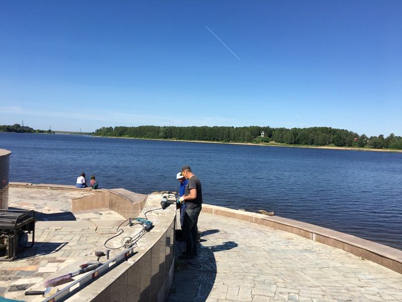 В Рыбинске начали восстанавливать разгромленную вандалами смотровую площадку
