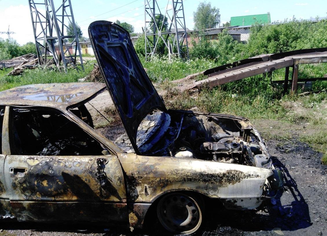 За день в Ярославской области сгорели два автомобиля