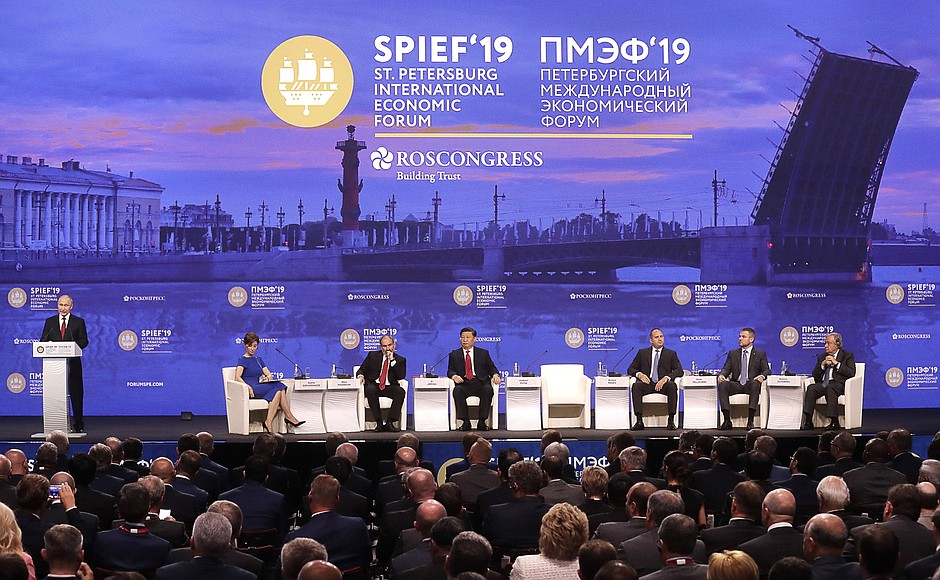 Дмитрий Миронов: на питерском форуме Владимир Путин задал основные тренды экономического развития страны