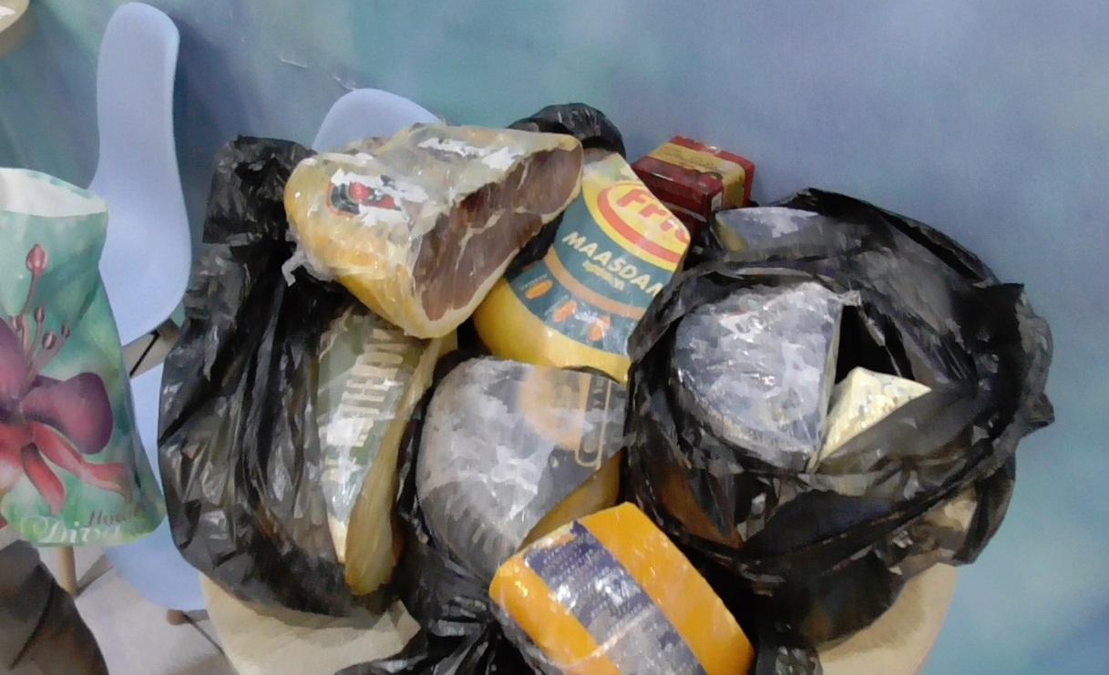 Под Ярославлем сожгли 26 килограммов элитного сыра и хамона
