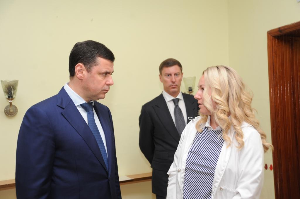 Дмитрий Миронов поручил выделить средства на ремонт детского сада №94 в Рыбинске