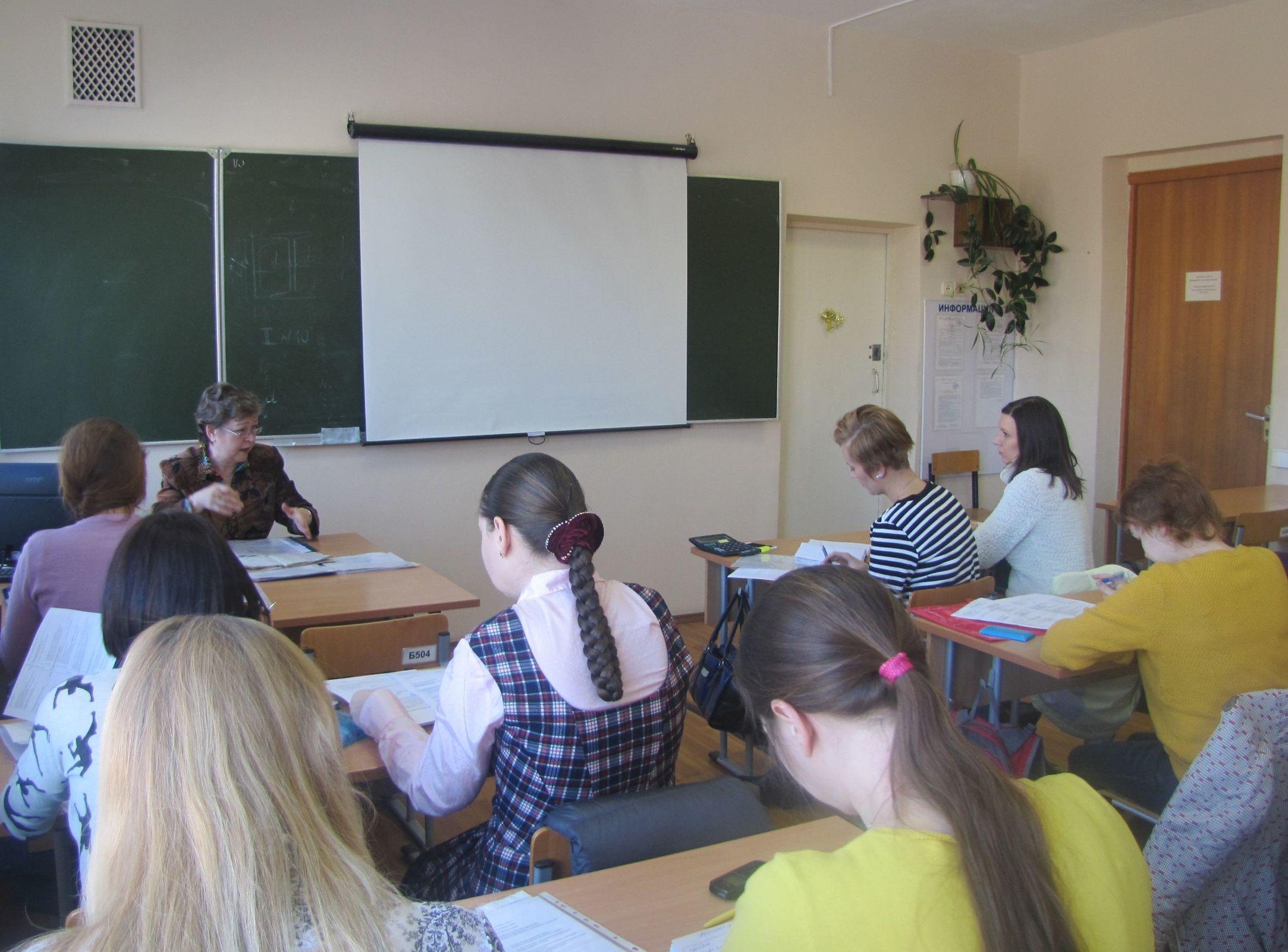 Женщины в декрете смогут пройти профессиональное обучение: топ-10 специальностей