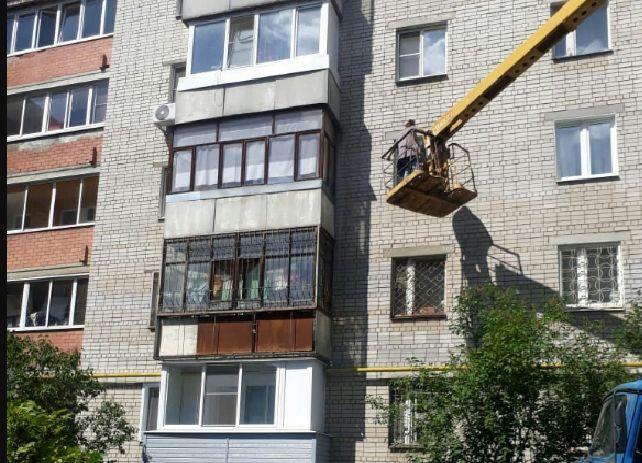 Спасение кота: жильцы дома в центре Ярославля решили проникнуть в квартиру через окно