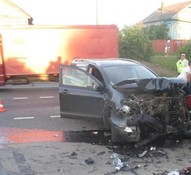 Три человека пострадали в крупном ДТП на трассе М8 в Ярославской области