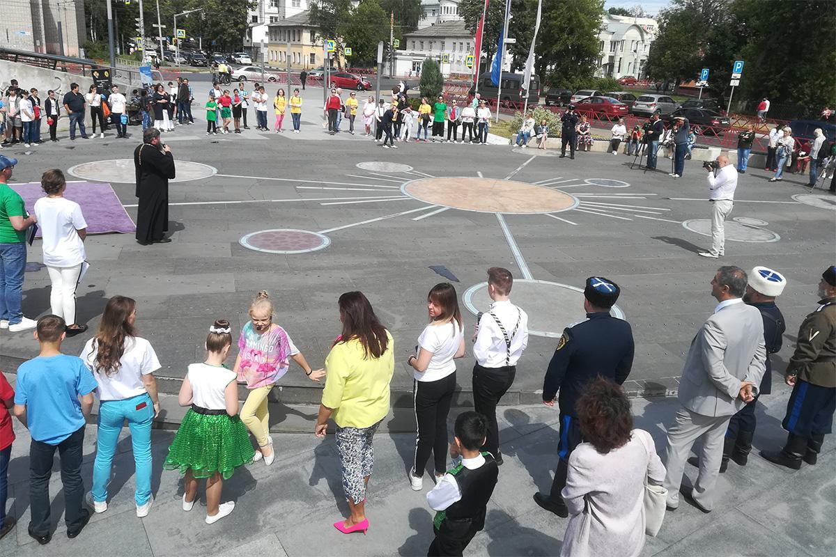 Звезды спорта приняли участие в челлендже #ЯНЕЗАВИСИМ в Ярославле