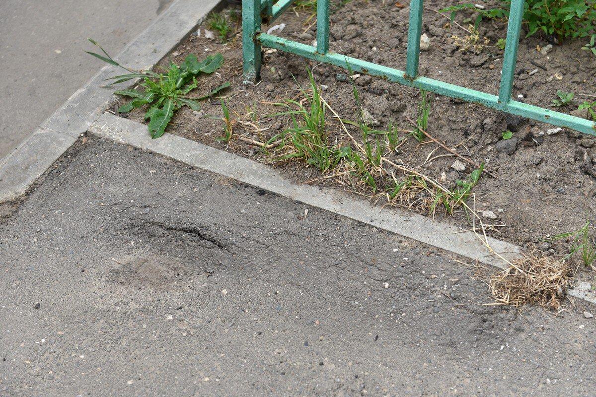 В Ярославле по гарантии отремонтируют двор после жалоб жителей в соцсетях