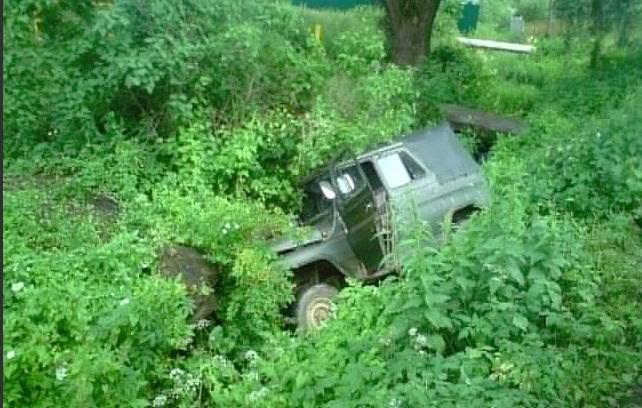 В Ярославской области УАЗ вылетел в кювет: погиб пассажир