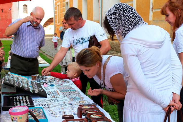 Зураб Церетели станет специальным гостем на фестивале ростовской финифти и народных промыслов