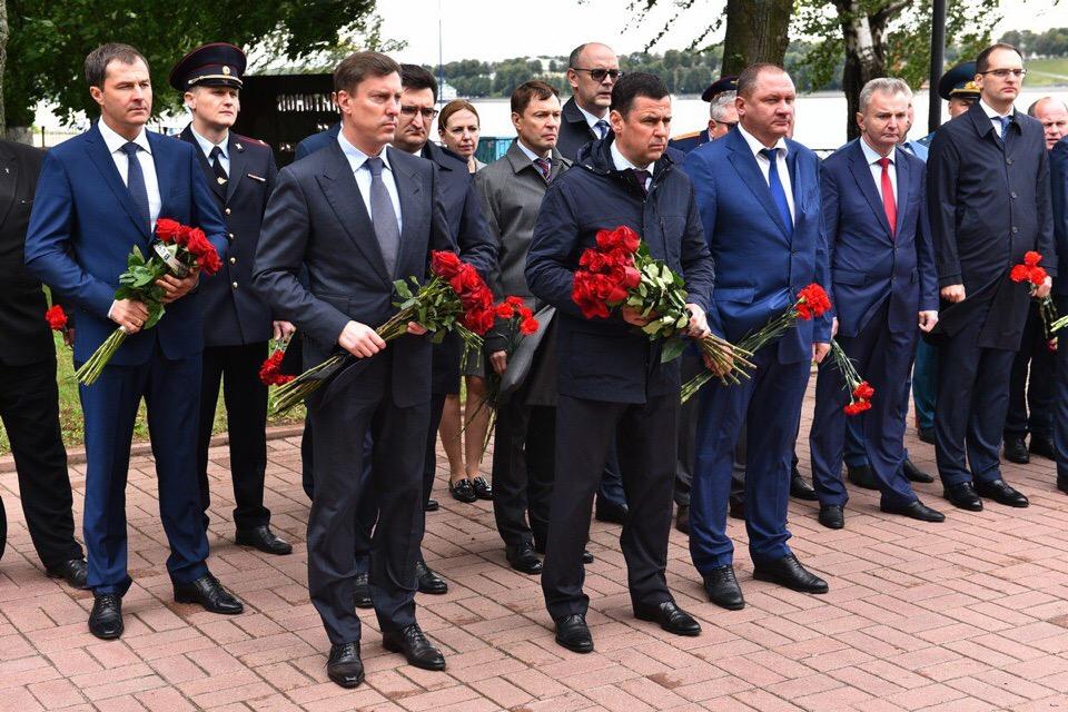 Дмитрий Миронов выразил соболезнования в связи с гибелью российских подводников