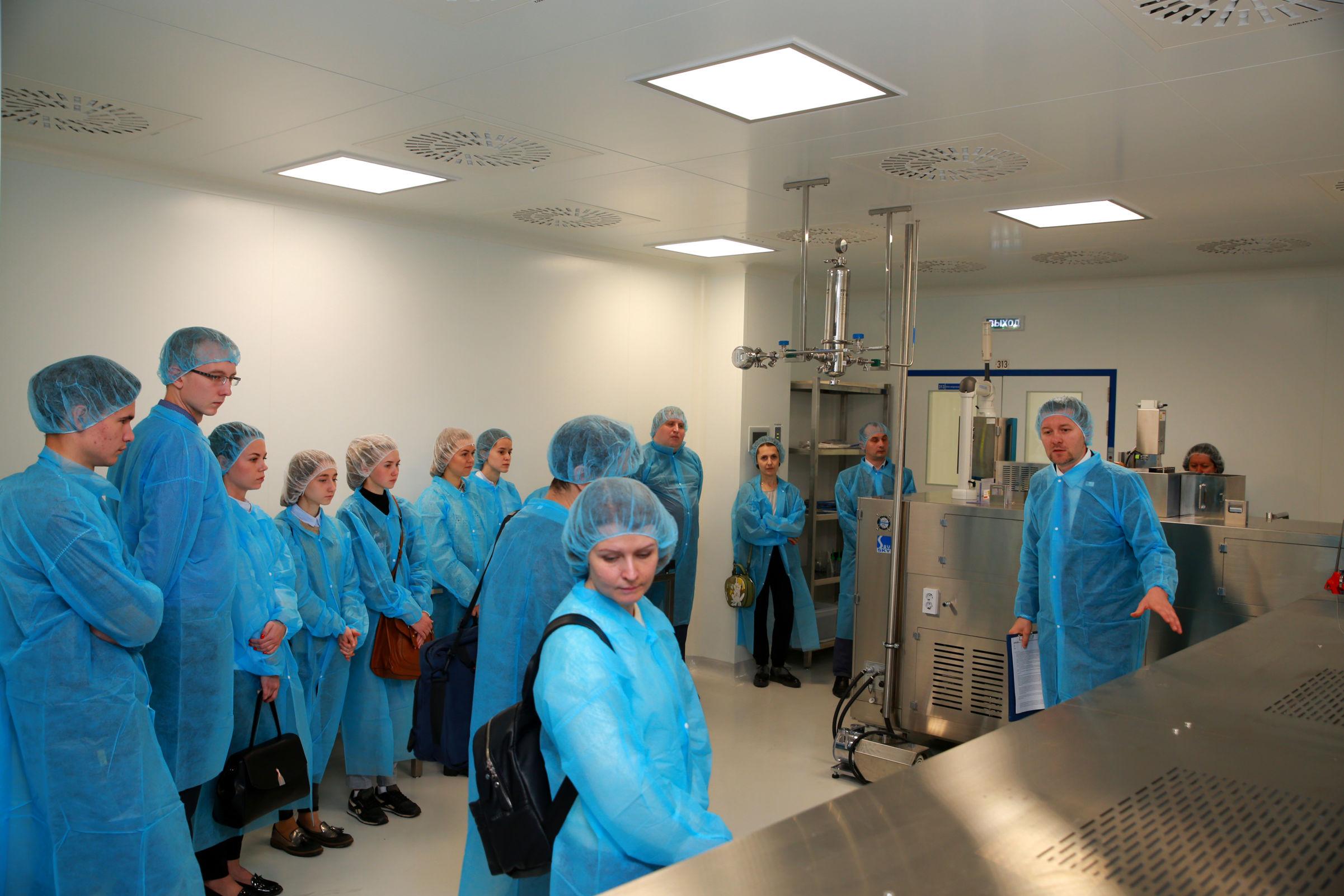 Ярославским студентам провели экскурсию по новому фармацевтическому заводу