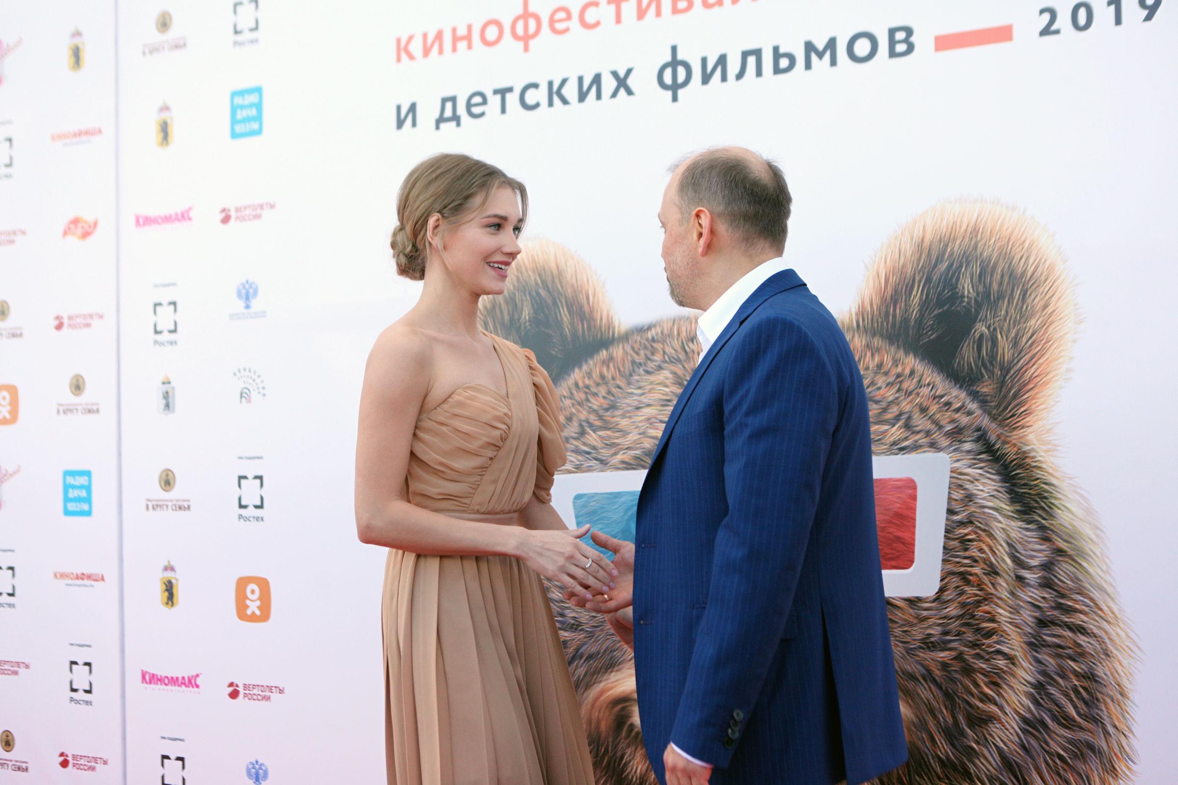 Асмус, Вдовиченков и «Сплин» в Ярославле: открылся международный кинофестиваль – фото и видео