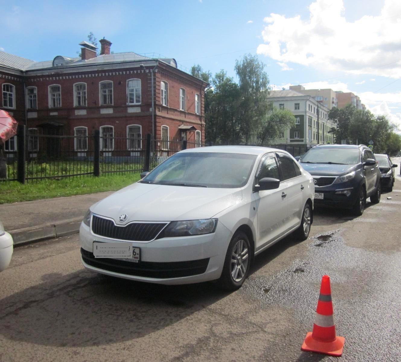 В тройном ДТП с участием пьяного водителя в Ярославле пострадала женщина