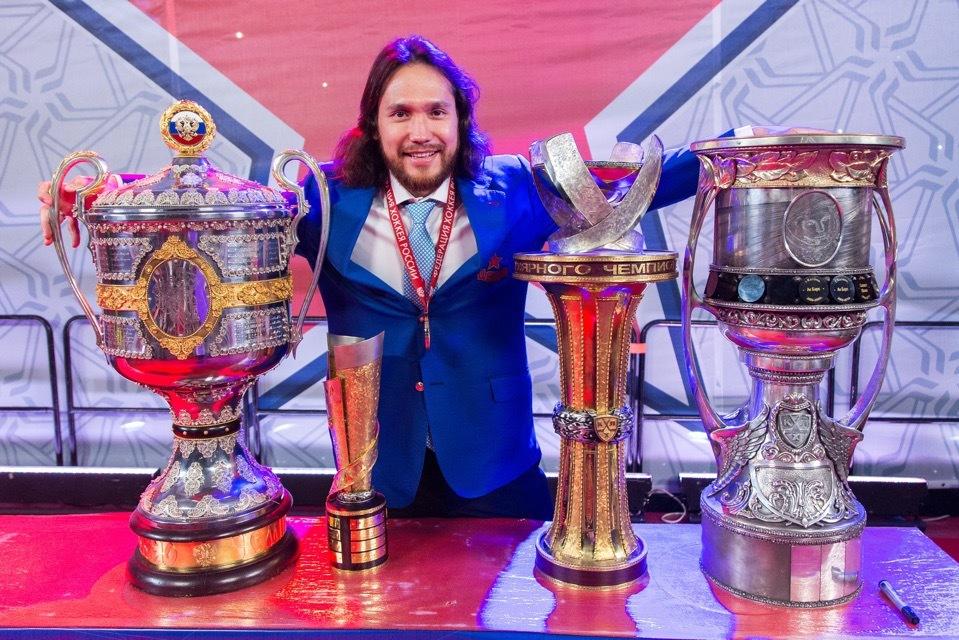 Экс-защитник «Локомотива» привезет Кубок Гагарина в Ярославль