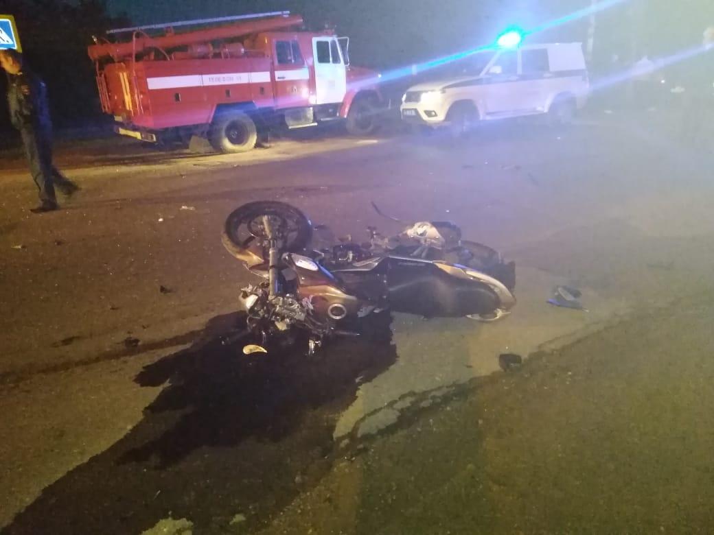 В Ярославской области столкнулись парень на мотоцикле и девушка на иномарке: двое пострадавших