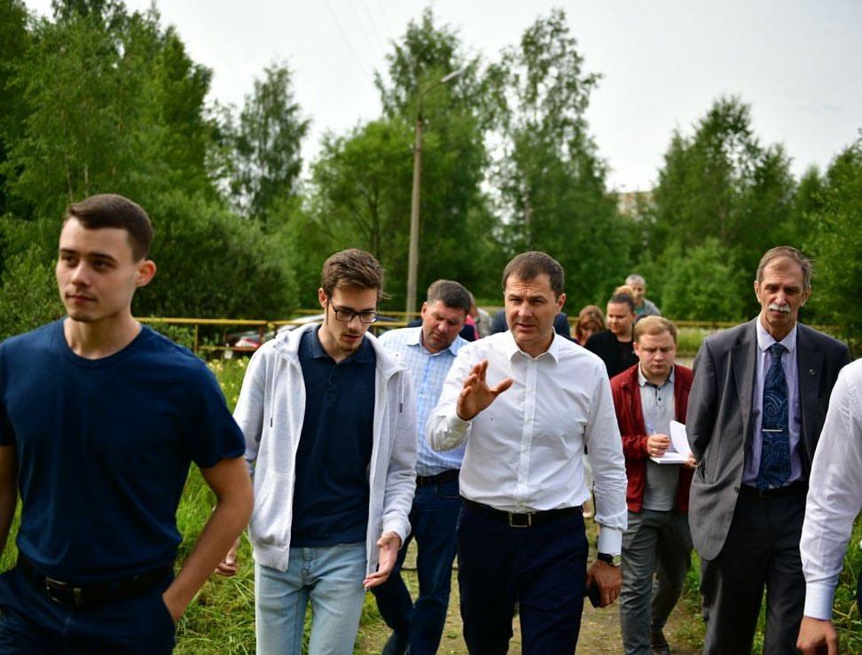 Мэр Ярославля пообещал восстановить дорогу от остановки до общежития