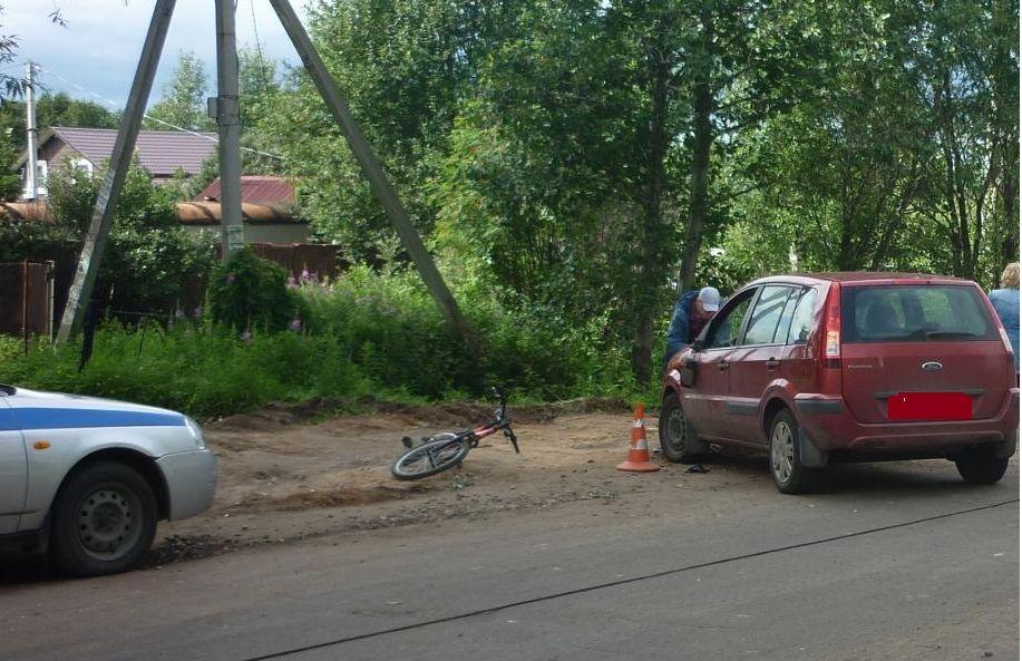 В Ярославле водитель иномарки сбил велосипедиста
