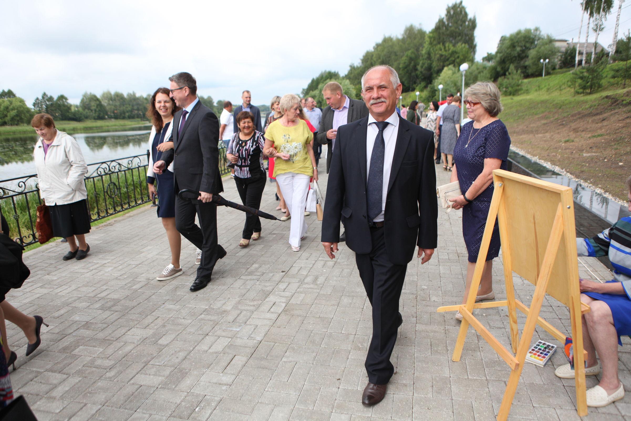В Некрасовском на юбилей поселка открыли новую набережную: фото