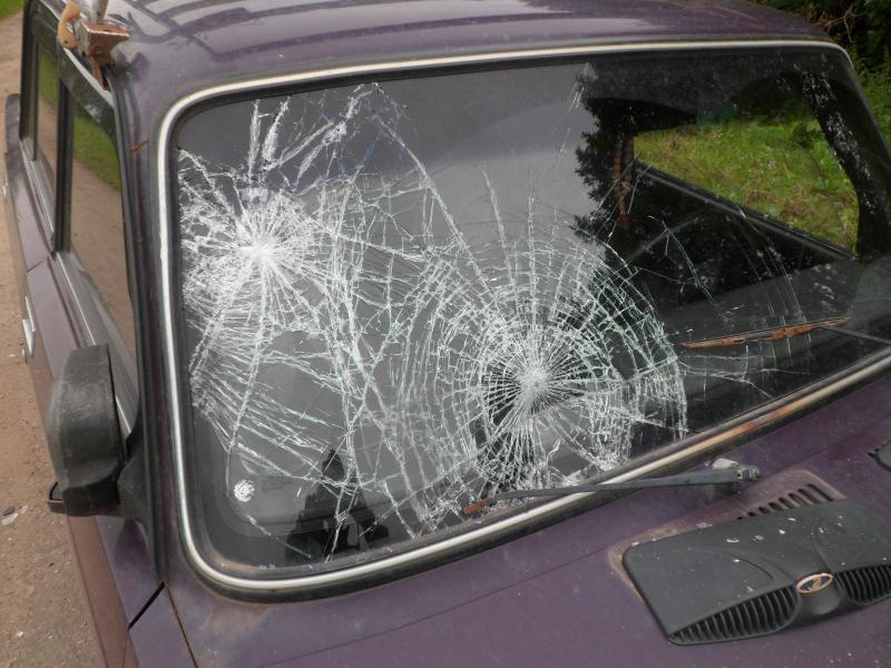 В Ярославской области водитель «Жигулей» сбил двух подростков на мопеде: школьники госпитализированы