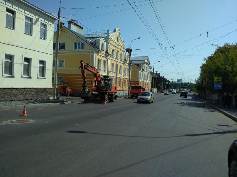 В Рыбинске улицу Герцена ремонтируют по ночам