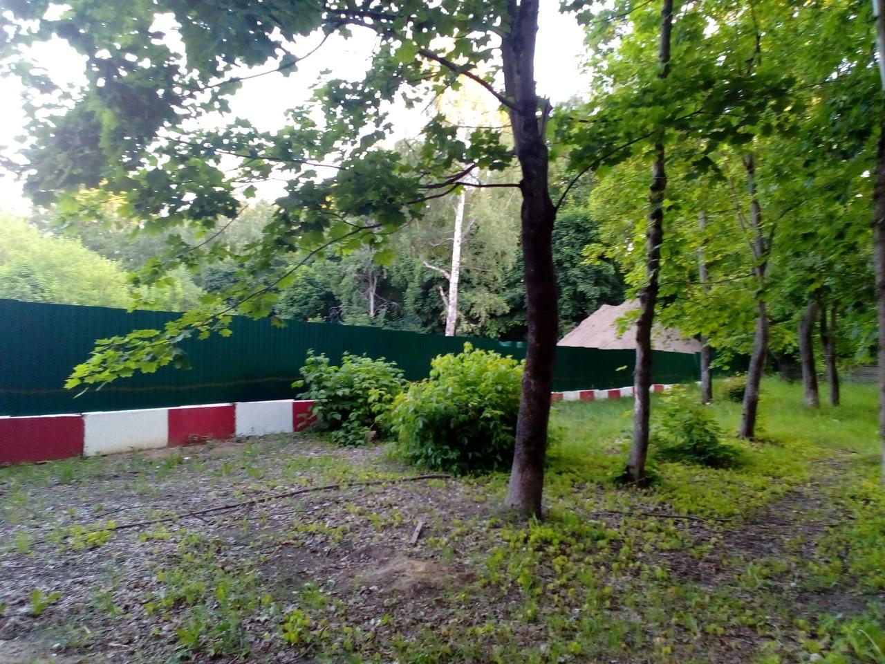 На месте бывшей школы Терешковой на улице Маланова строят одноэтажное здание