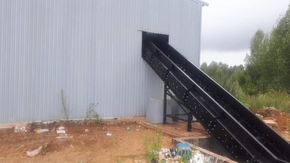 На полигоне в Ярославской области монтируют оборудование для сортировки мусора
