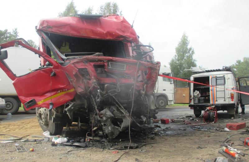 Появились подробности смертельного ДТП с грузовиками в Ярославской области