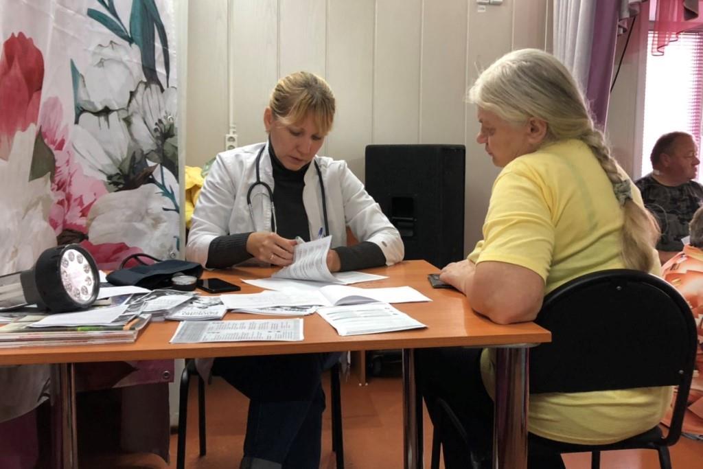Бригада проекта «Здоровая Ярославия» проводит выездные осмотры жителей деревень