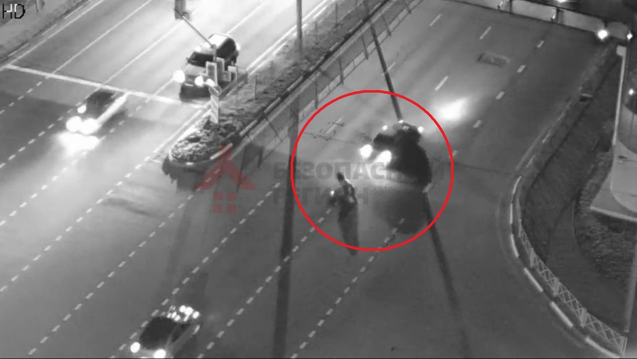 В ДТП на Московском проспекте в Ярославле пострадал мотоциклист: видео