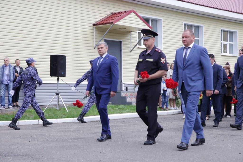 В Ярославле прошли торжественные мероприятия памяти погибших сотрудников спецподразделений Росгвардии