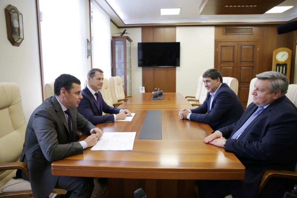 Дмитрий Миронов обсудил с новым худруком Волковского вопросы развития театра