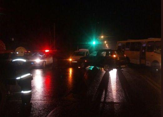 В ДТП с такси в Ярославской области пострадала девушка