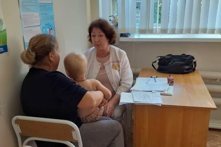 После осмотра детей мобильной бригадой одного ребенка срочно госпитализировали в Ярославль