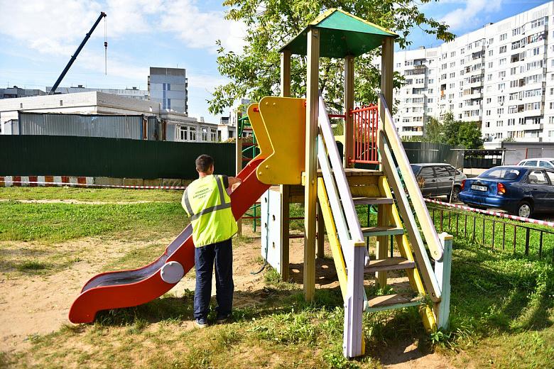 В Ярославле отремонтируют детские городки