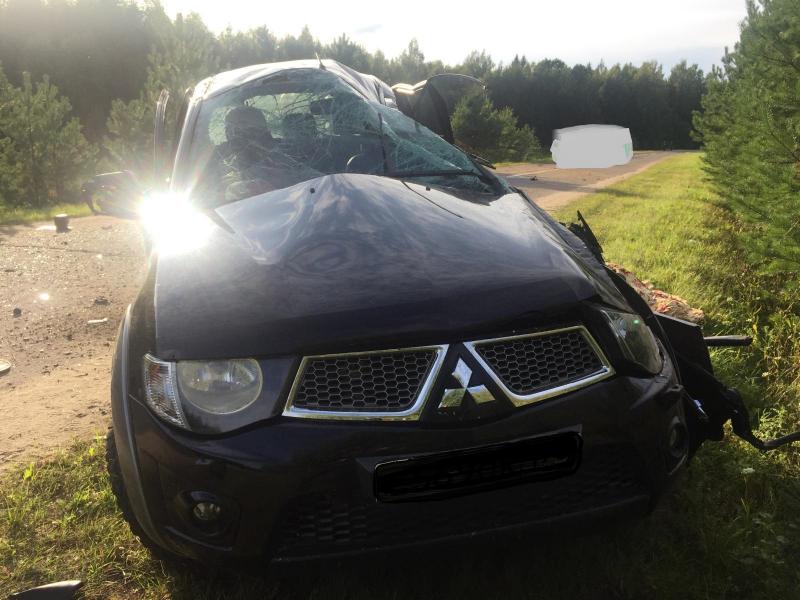 В Ярославской области погиб водитель перевернувшейся иномарки
