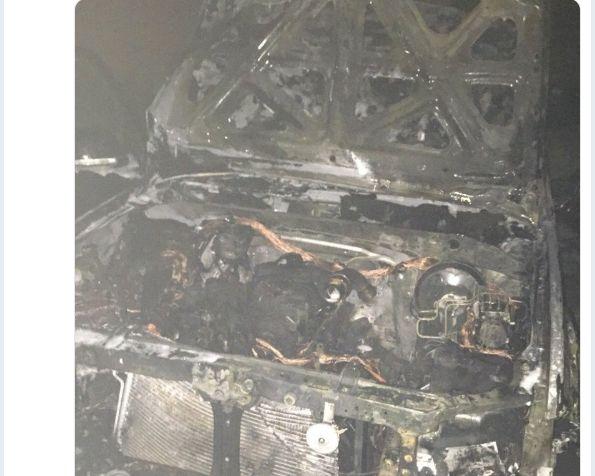 Несчастный случай или месть соседей: в Ярославле ночью взорвался автомобиль