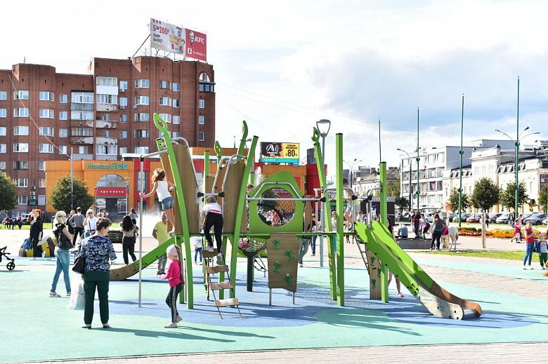 У ТЮЗа в Ярославле отремонтируют аварийный детский городок после жалоб в соцсетях